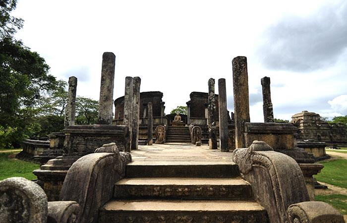 polonnaruwa-watada-geya_4restlankatours